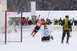 Ville Aaltonen jublar efter 1-0 målet. Foto: Anders Gårdestig